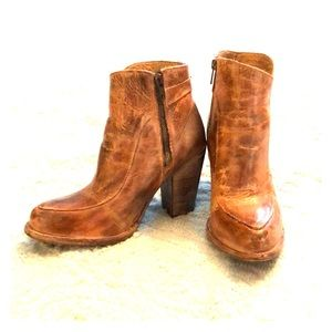 Bedstu leather ankle boots